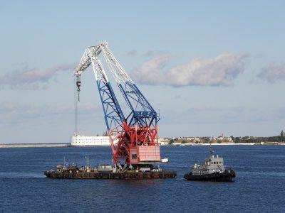 «Севморзавод» получил заказ стоимостью 2,7 млрд руб на изготовление морского плавкрана