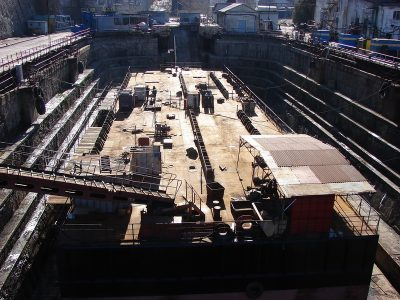 Севастопольский филиал «Звездочки» построит к лету плавсистему для доставки арок Керченского моста